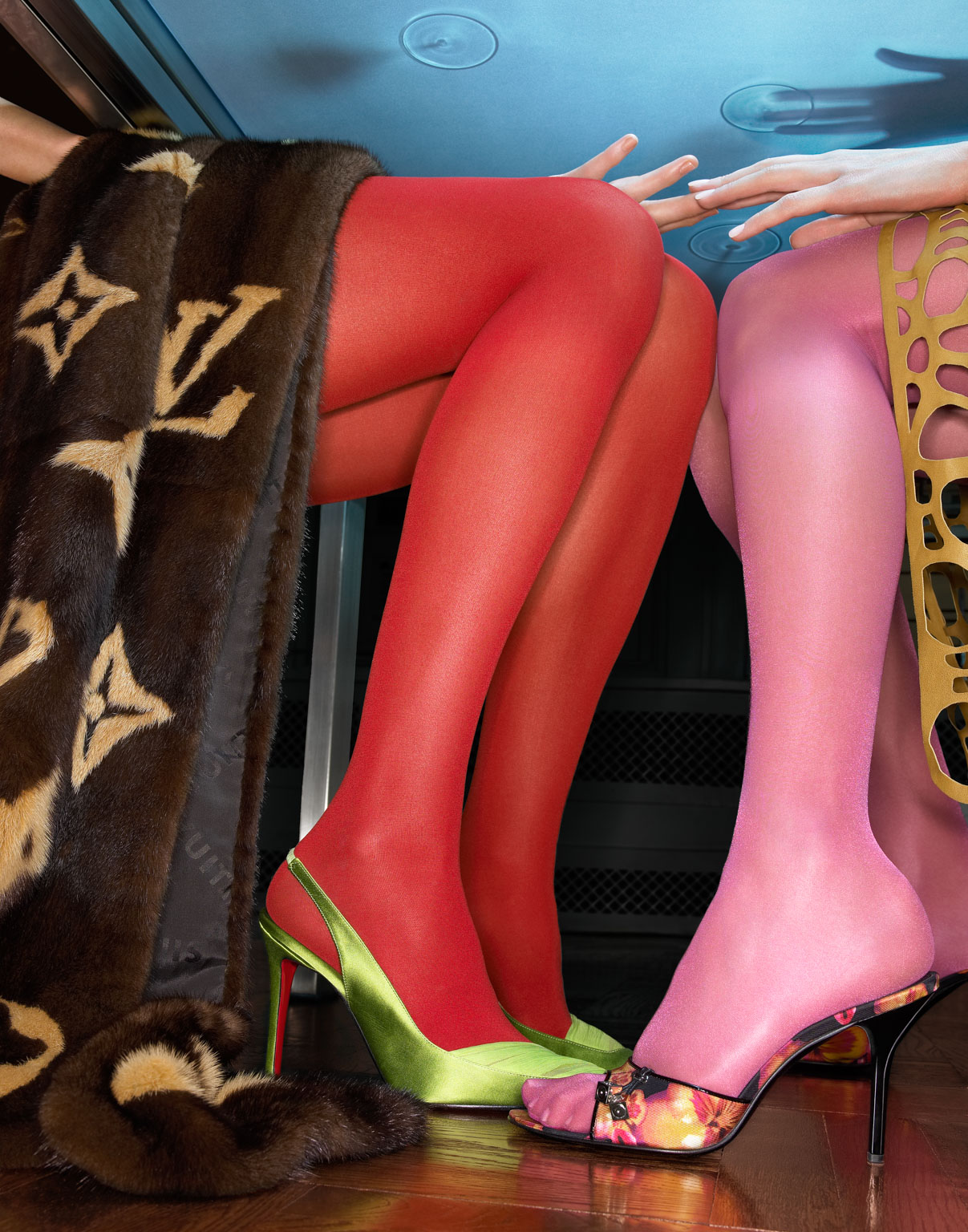 073_louis_red_tights_010f